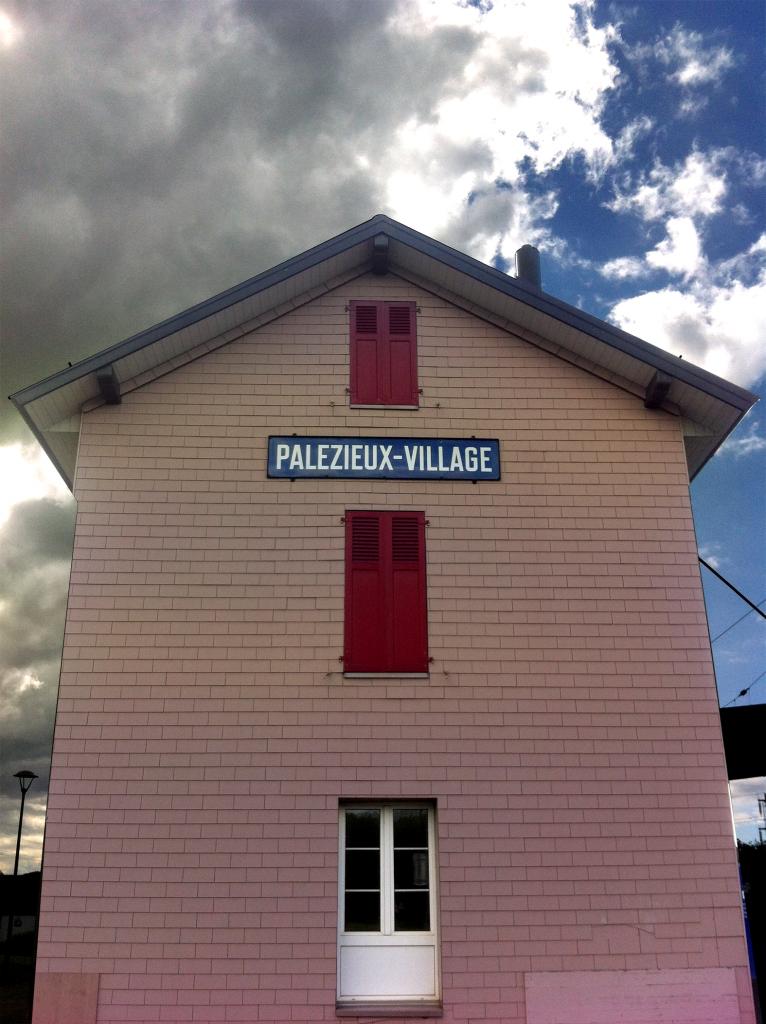 Gare_Pall_village